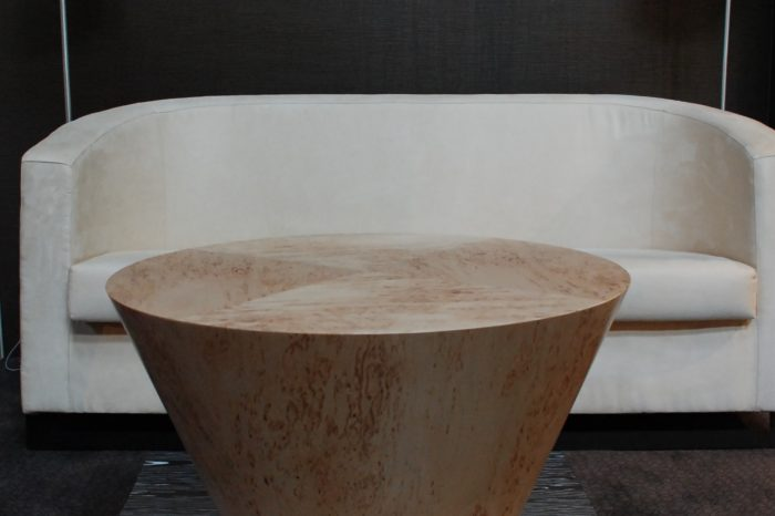 stolik z forniru
