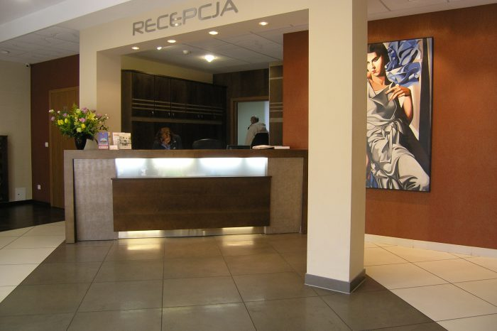 recepcja w hotelu
